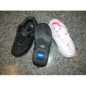 Heelys Style Shoes That Roll